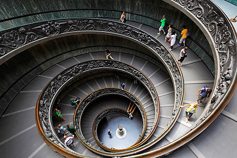 Spiral staircase in the Vatican museums Italyian: Musei Vatican