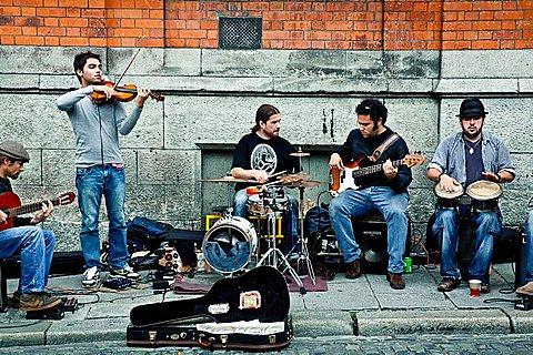 street musicians Dublin Irlanda