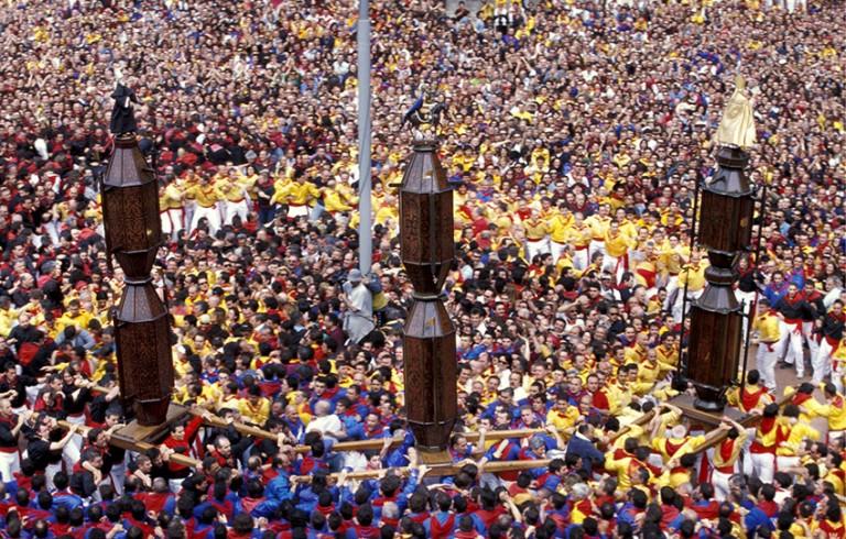 Colourful crowds at La Corsa dei Ceri