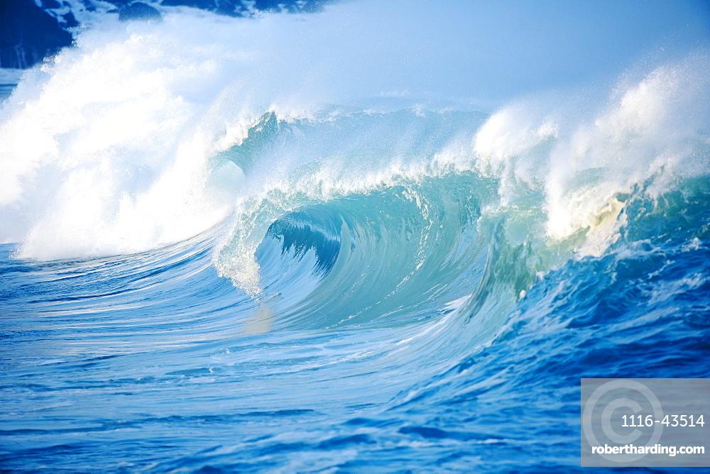 Waves Breaking At Waimea Bay On The North Shore Of Oahu, Oahu, Hawaii, United States Of America