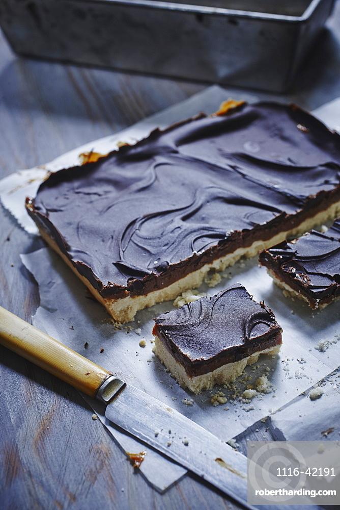 Chocolate Shortbread Millionaire Bars