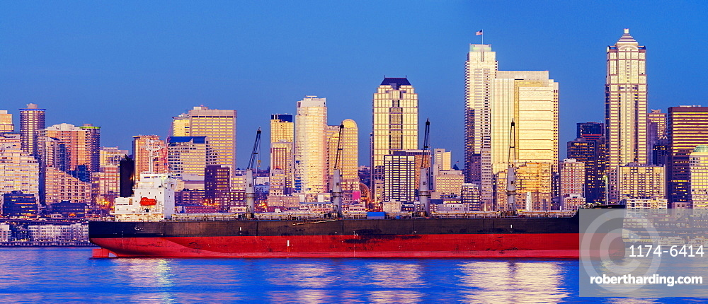 Freighter near cityscape, Seattle, Washington, United States, Seattle, Washington, USA