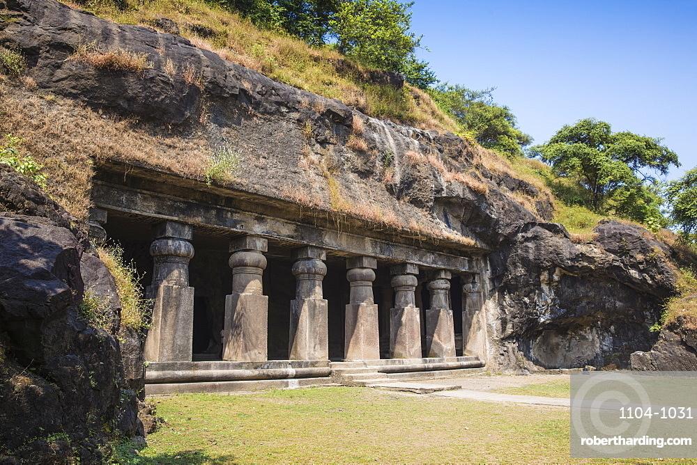 Elephanta Island cave temples, UNESCO World Heritage Site, Mumbai, Maharashtra, India, Asia