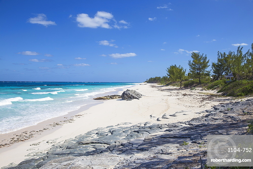 Bahamas, Abaco Islands, Great Guana Cay, Beach near Nippers bar