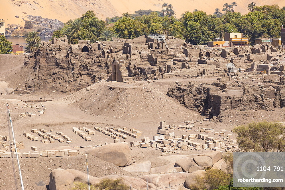 View towards Khnum ruins on Elephantine Island, Aswan, Upper Egypt, Egypt, North Africa, Africa