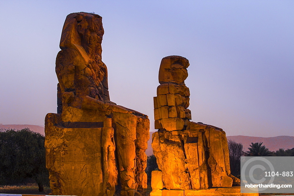 Colossi of Memnon, UNESCO World Heritage Site, West Bank, Luxor, Egypt, North Africa, Africa