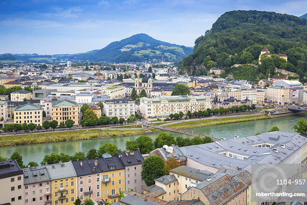 View of Salzach River with The Old City to the right and the New City to the left, Salzburg, Austria, Europe