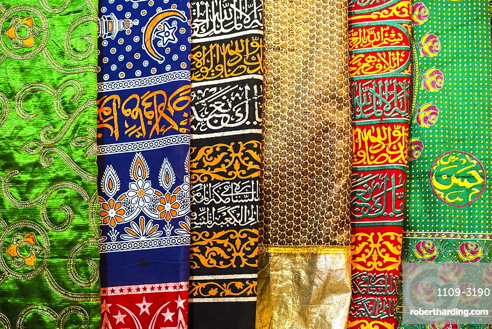 Colourful pashmina scarves, New Delhi, India, Asia