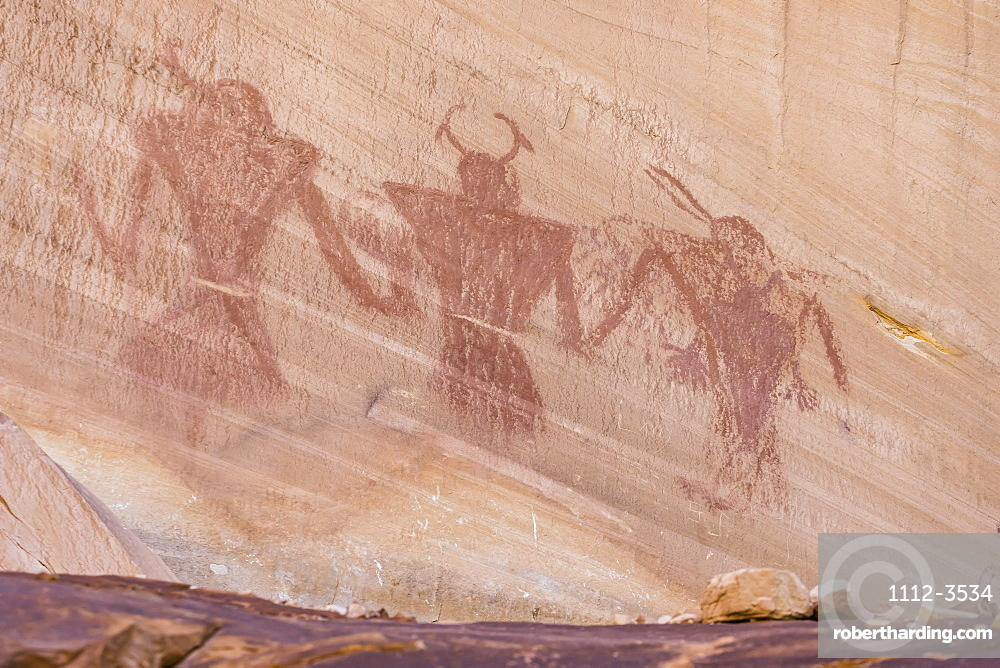 Native Pueblo rock art, Lower Calf Creek Falls Trail, Grand Staircase-Escalante National Monument, Utah, USA.