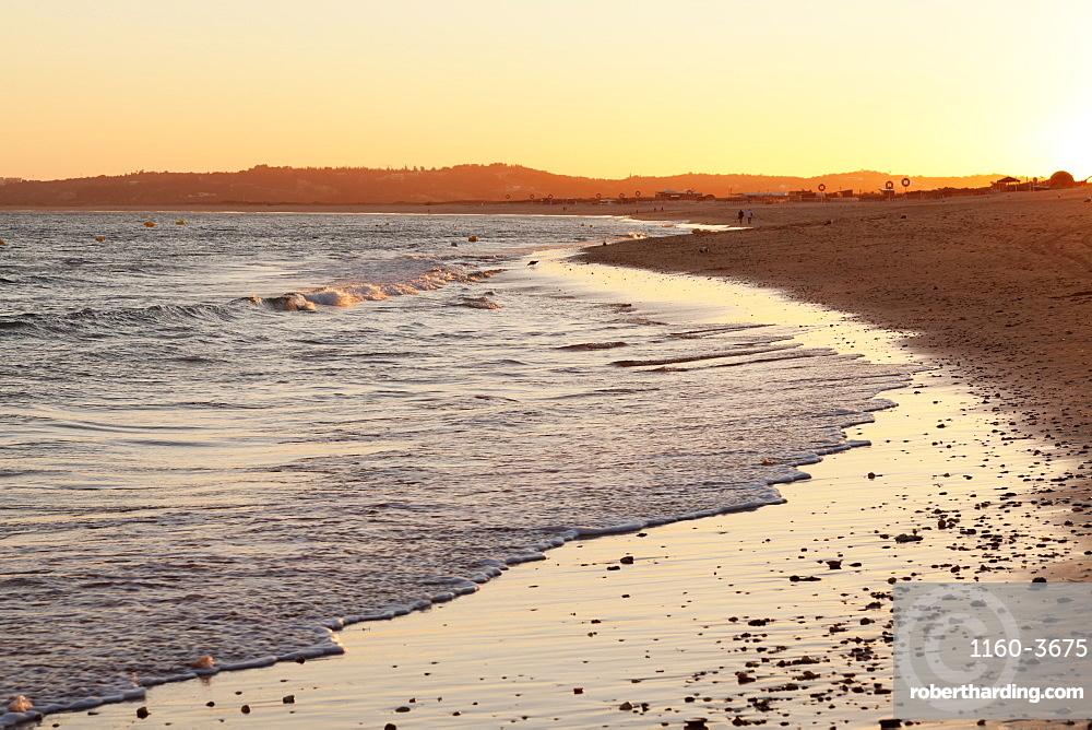 Praia de tres Irmaos beach at sunset, Atlantic Ocean, Alvor, Algarve, Portugal, Europe