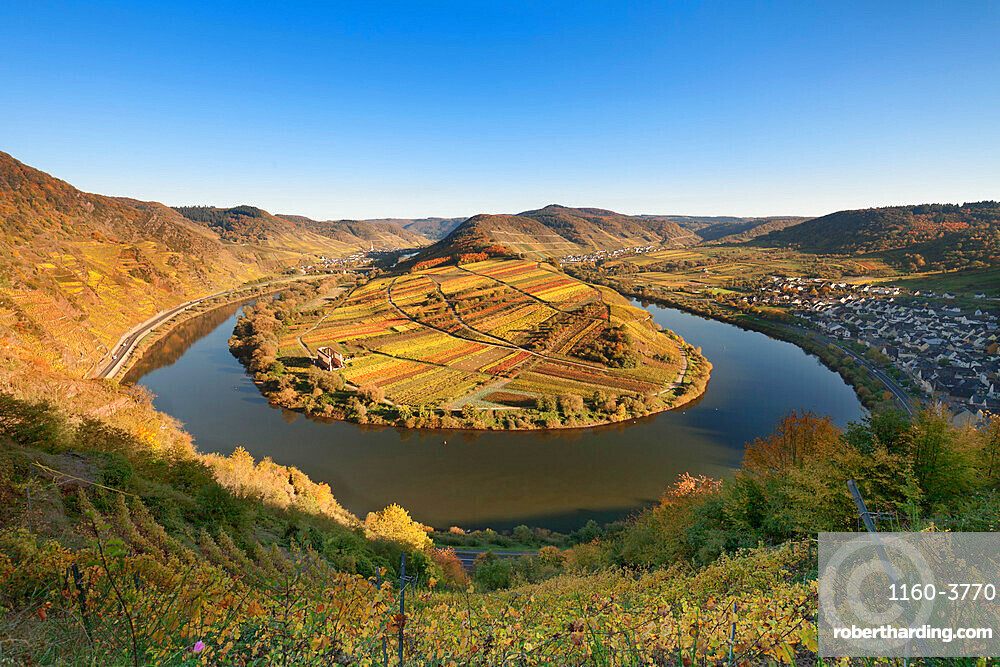 Loop of Moselle River with Calmont Hill near Bremm, Rhineland-Palatinate, Germany