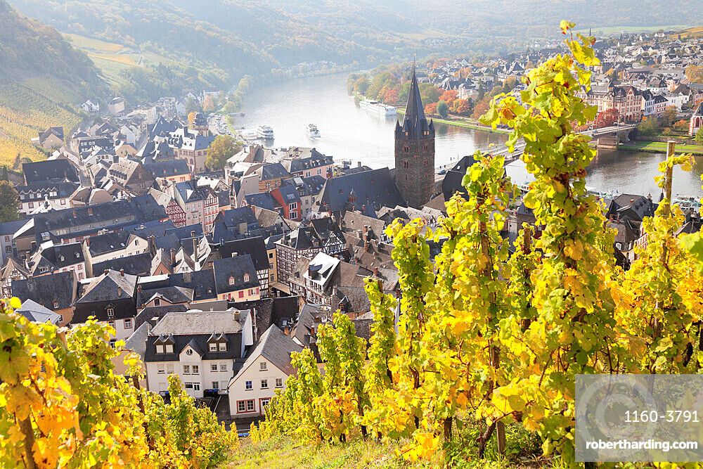 Bernkastel-Kues in autumn, Moselle valley, Rhineland-Palatinate, Germany
