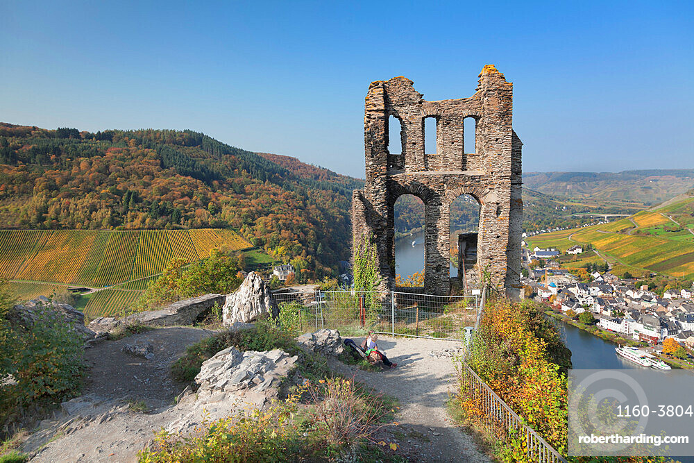 Grevenburg Ruins overlooking Traben-Trarbach, Moselle Valley, Rhineland-Palatinate, Germany, Europe