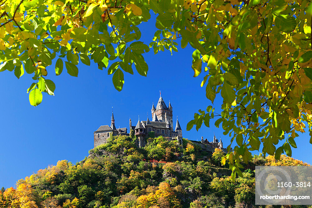 Reichsburg Castle in autumn, Cochem, Moselle Valley, Rhineland-Palatinate, Germany, Europe