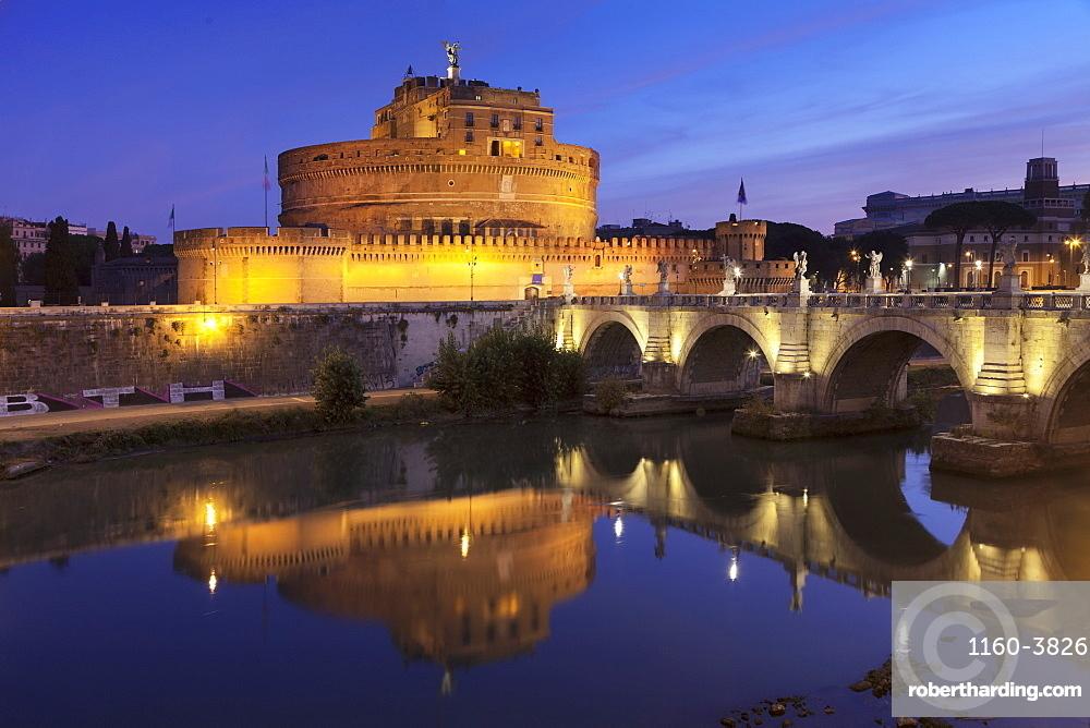 Mausoleum of Hadrian, Castel Sant'Angelo, Ponte Sant'Angelo Bridge, UNESCO World Heritage Site, Tiber River, Rome, Lazio, Italy, Europe