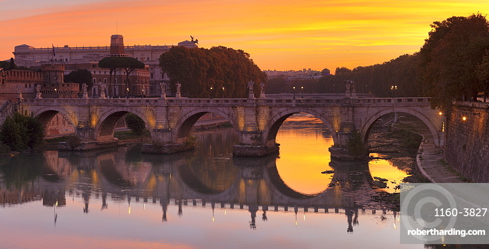Ponte Sant'Angelo Bridge at sunrise, Tiber River, Rome, Lazio, Italy, Europe
