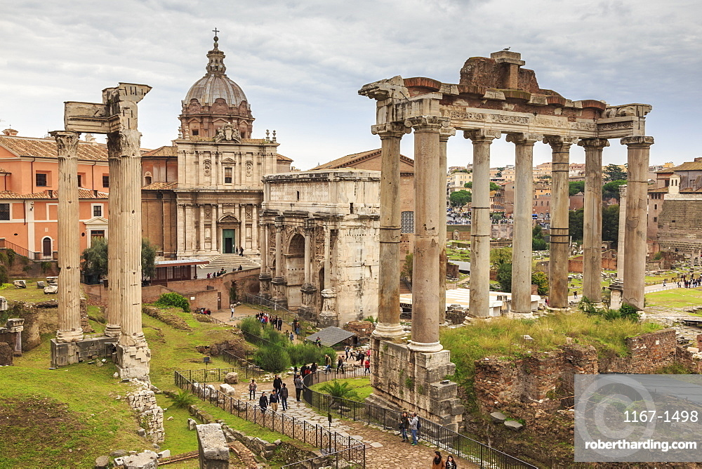 Roman Forum ruins, elevated view from Campidoglio, Historic Centre, Rome, UNESCO World Heritage Site, Lazio, Italy, Europe