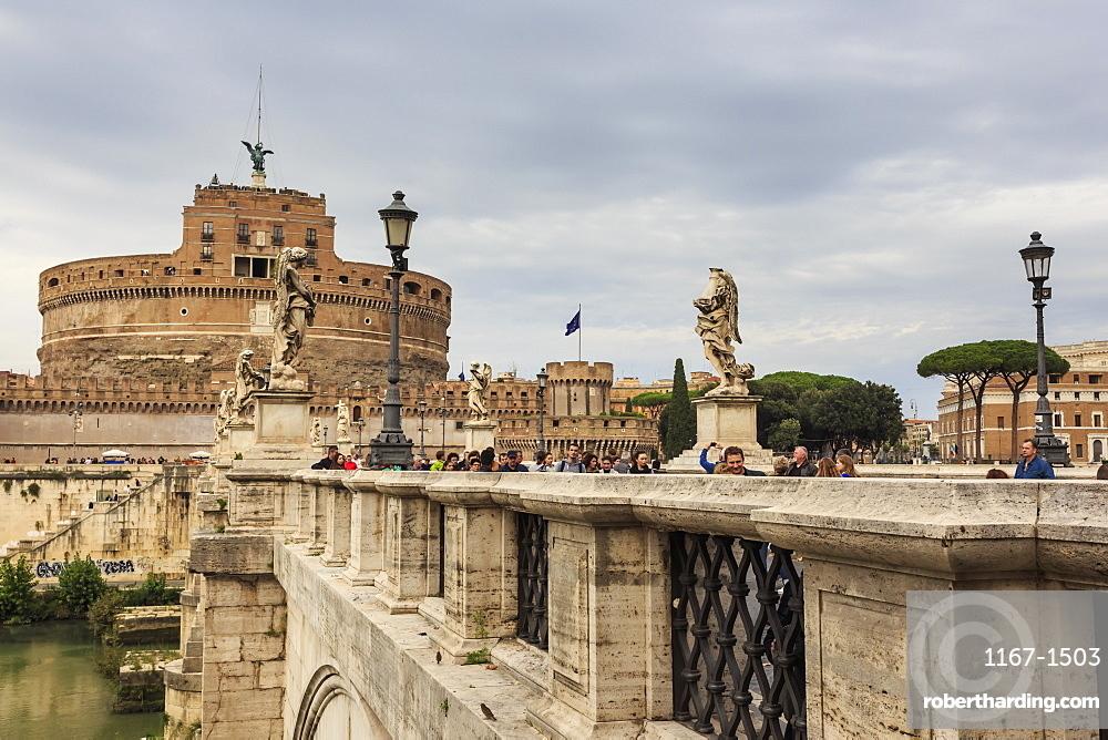 Ponte Sant' Angelo and Castel Sant'Angelo, Vatican area, Historic Centre, Rome, UNESCO World Heritage Site, Lazio, Italy, Europe