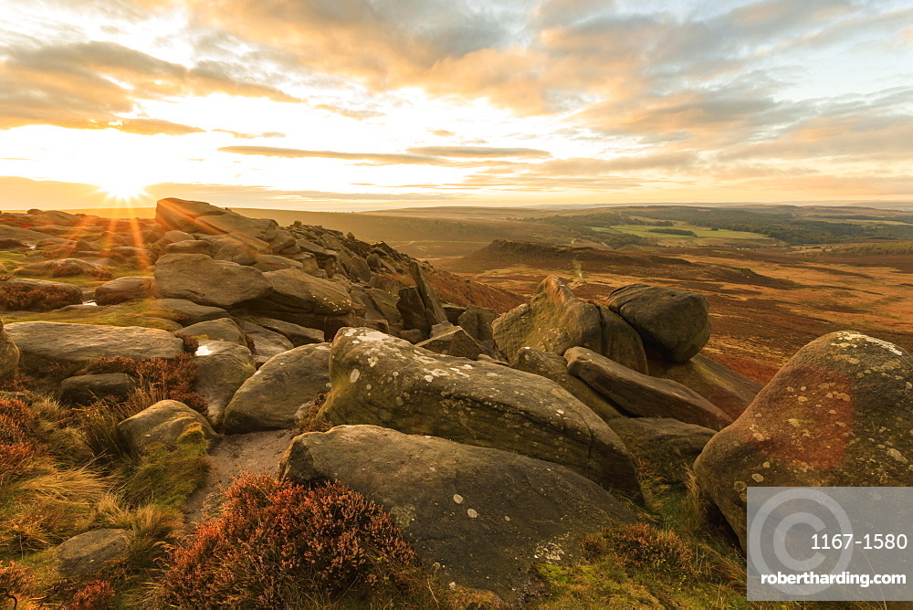 Higger Tor, Carl Wark Hill Fort and Hathersage Moor, sunrise in autumn, Peak District National Park, Derbyshire, England, United Kingdom, Europe