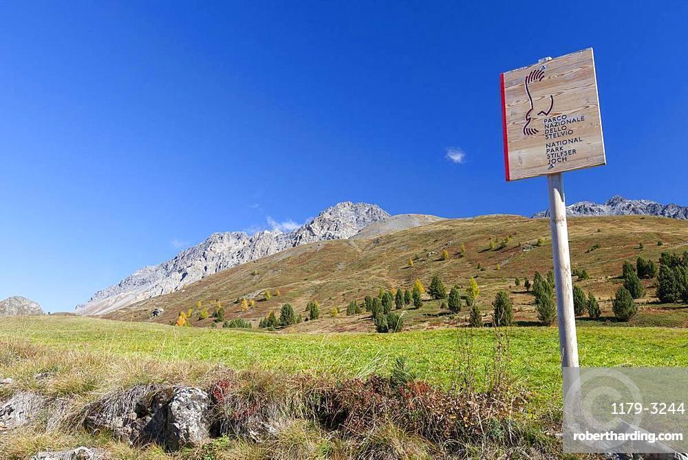 Hiking signage of Stelvio National Park, Val Vezzola, Valdidentro, Valtellina, Sondrio province, Lombardy, Italy, Europe