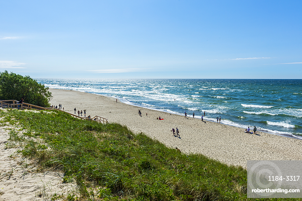 Long white sand beach in the Curonian Spit National Park, UNESCO World Heritage Site, Kaliningrad, Russia, Europe