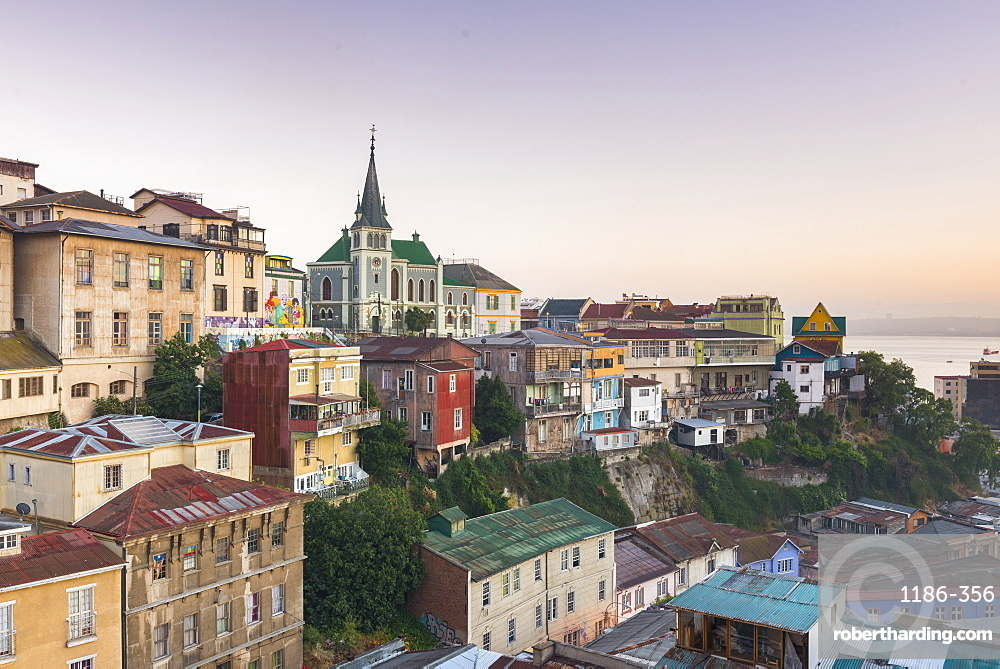 Sunrise over the colourful buildings of Valparaíso, Chile