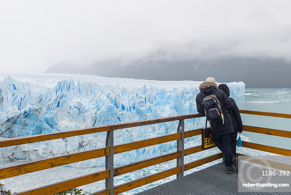 people at the Perito Moreno glacier viewing point, El Calafate, Santa Cruz, Argentina