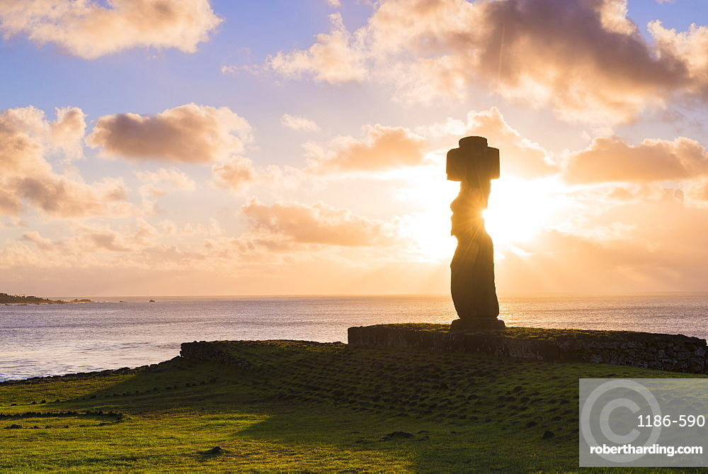 Moai heads of Easter island, Rapa Nui National Park, Easter Island, Chile, Polynesia
