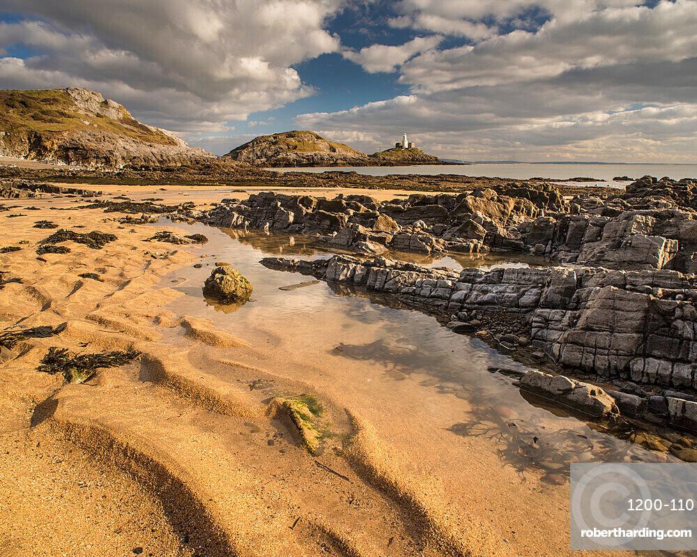 Bracelet Bay and Mumbles Lighthouse, Gower Peninsula, South Wales, United Kingdom, Europe