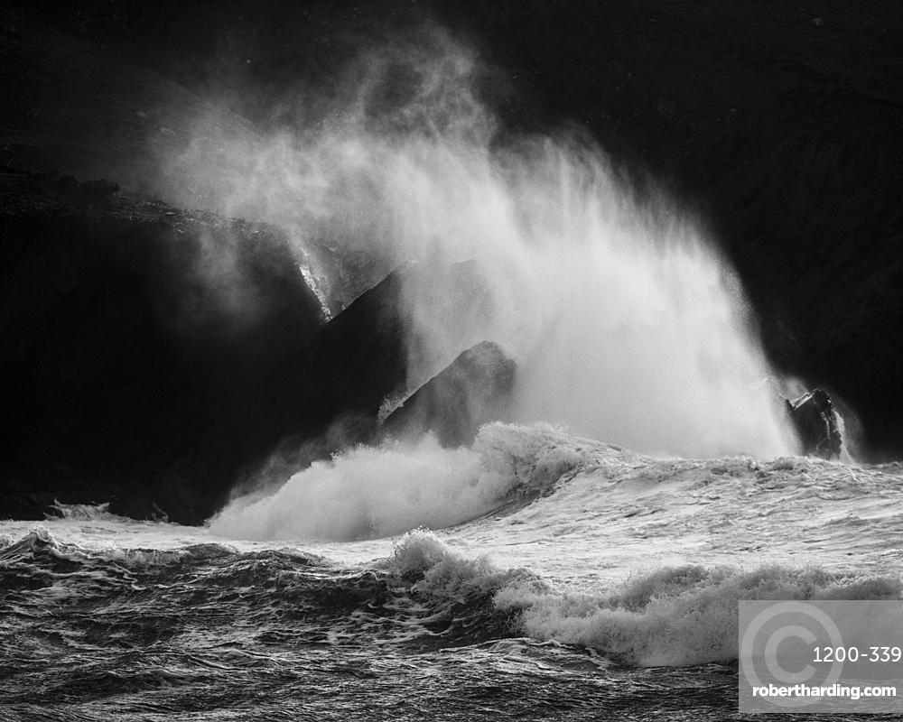 Waves crashing against rocks, Clogher Strand, Dingle Peninsula, County Kerry, Munster, Republic of Ireland, Europe