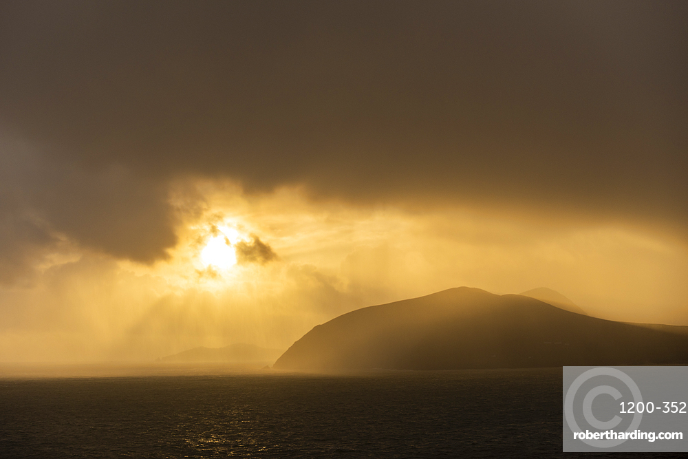 Sunrise over the Blasket Islands, Dingle Peninsula, Kerry, Republic of Ireland