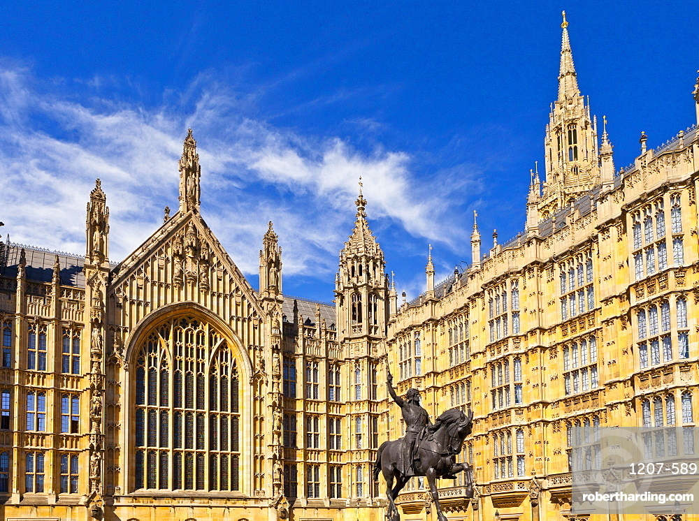 Richard Coeur de Lion outside the Palace of Westminster in London, England, Europe