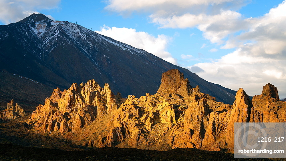 Mount Teide volcano at sunset, Mount Teide National Park, UNESCO World Heritage Site, Tenerife, Spain, Europe