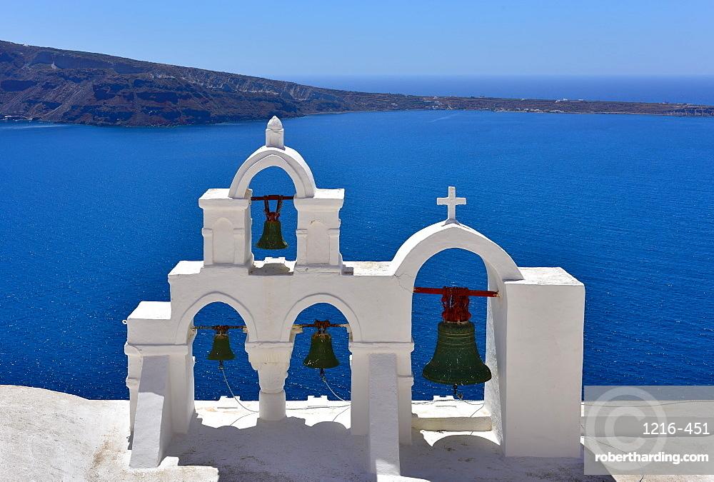 Oia Church overlooking the blue sea, Oia, Santorini, Cyclades, Aegean Islands, Greek Islands, Greece, Europe
