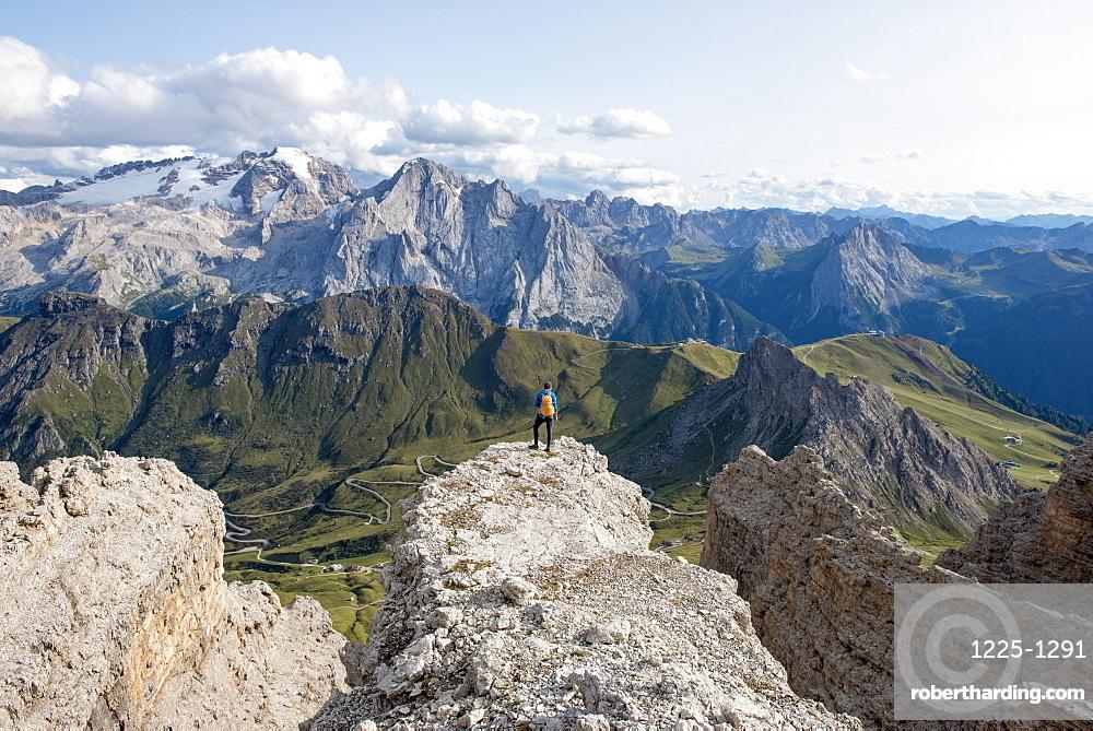 Hiking in the Dolomites along the E5 trail near Rifugio Lagazuoi, Belluno, Veneto, Italy, Europe