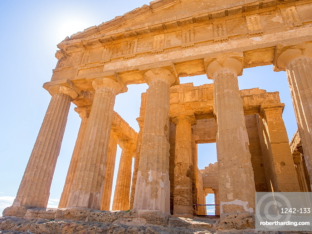 Temple of Concord, Greek ruins of Agrigento, UNESCO World Heritage Site, Sicily, Italy, Europe