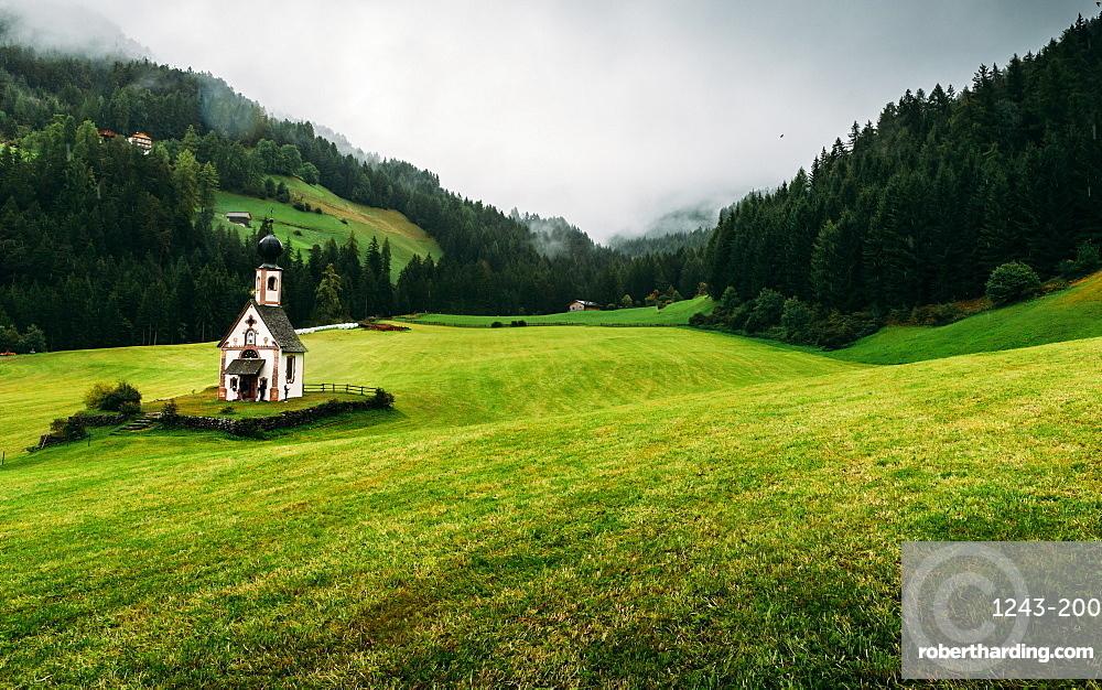 St. Johann church, Santa Maddalena, Val di Funes, Dolomites, Bolzano province, Trentino-Alto Adige, Italy, Europe