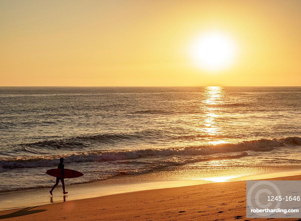 Faro Beach at sunset, Ilha de Faro, Ria Formosa Natural Park, Faro, Algarve, Portugal, Europe
