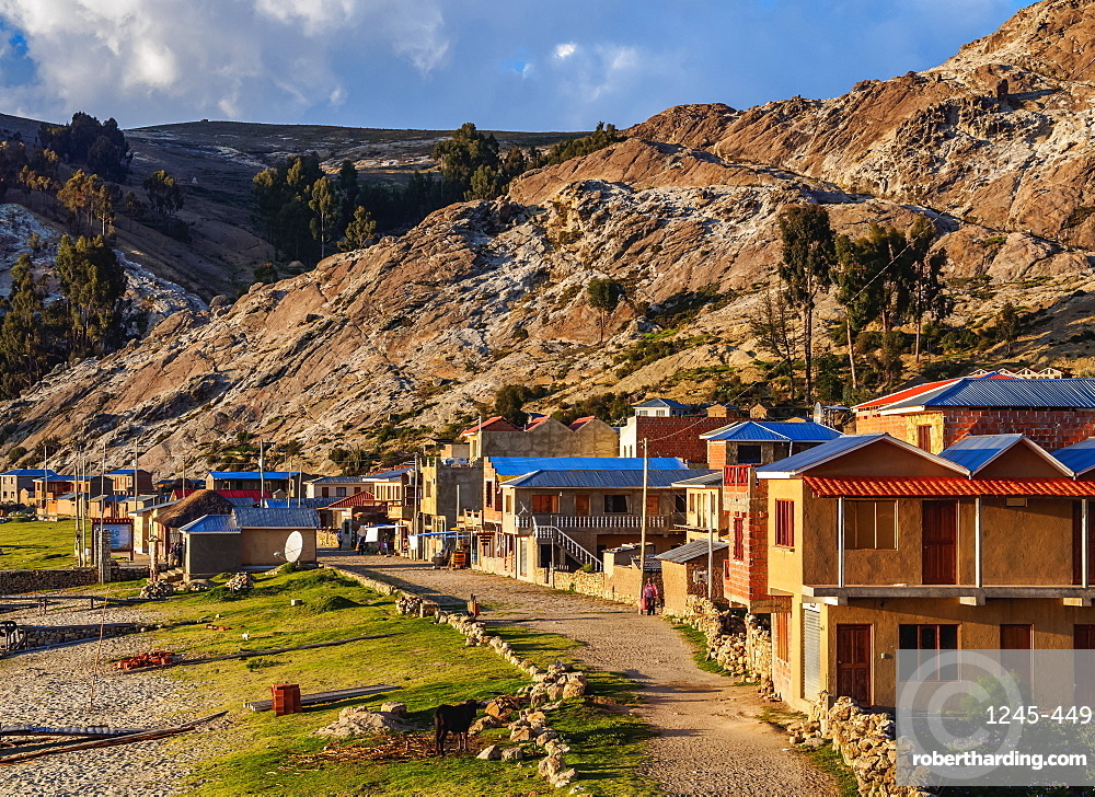 Challa Pampa Village, elevated view, Island of the Sun, Titicaca Lake, La Paz Department, Bolivia, South America