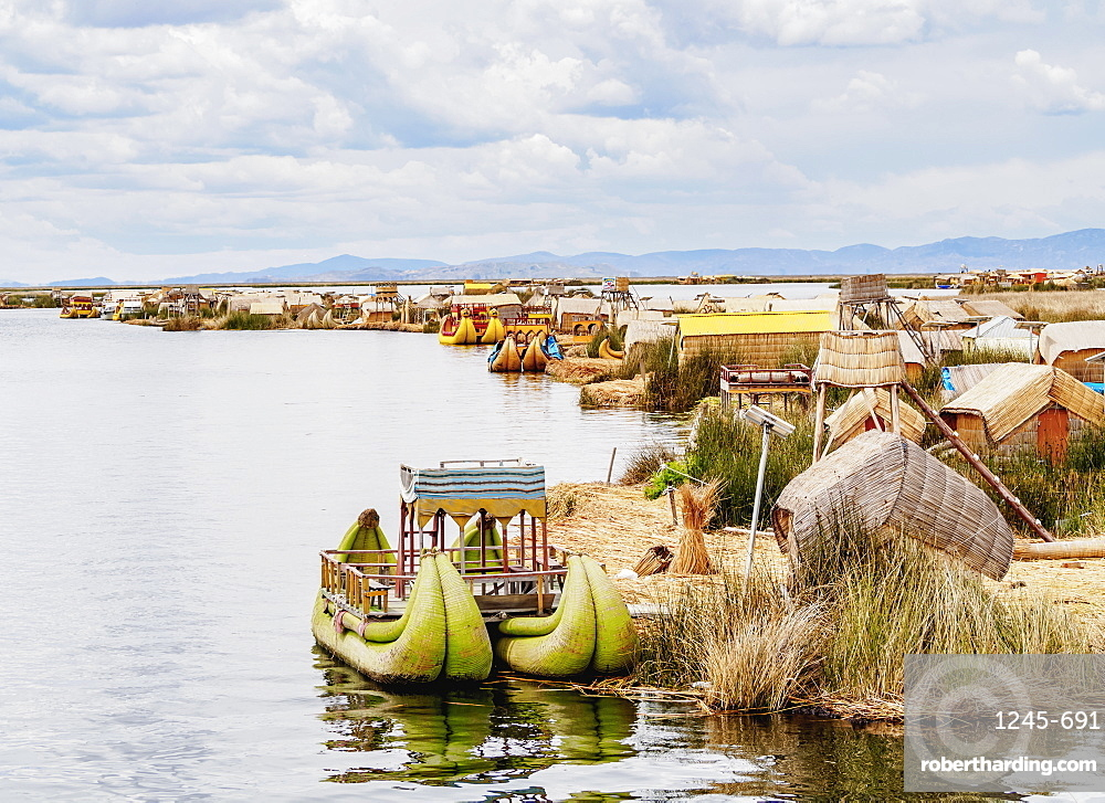 Uros Floating Islands, elevated view, Lake Titicaca, Puno Region, Peru, South America