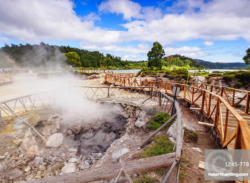 Fumarolas da Lagoa das Furnas, hot springs, Sao Miguel Island, Azores, Portugal, Atlantic, Europe