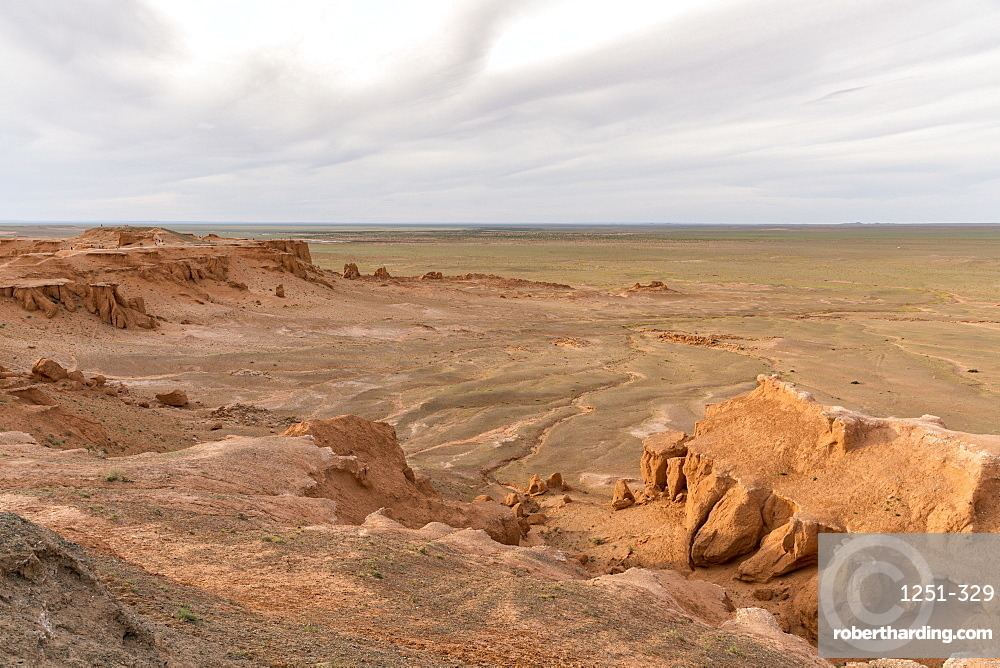 Flaming cliffs, Bajanzag, South Gobi province, Mongolia, Central Asia, Asia