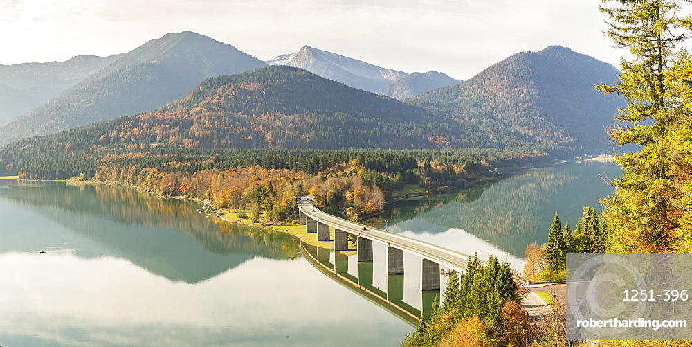 Sylvenstein Lake and bridge in autumn. Bad Tölz-Wolfratshausen district, Bavaria, Germany.