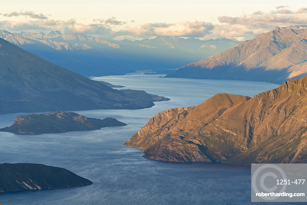 Lake Wanaka from Roys Peak lookout. Wanaka, Queenstown Lakes district, Otago region, South Island, New Zealand.