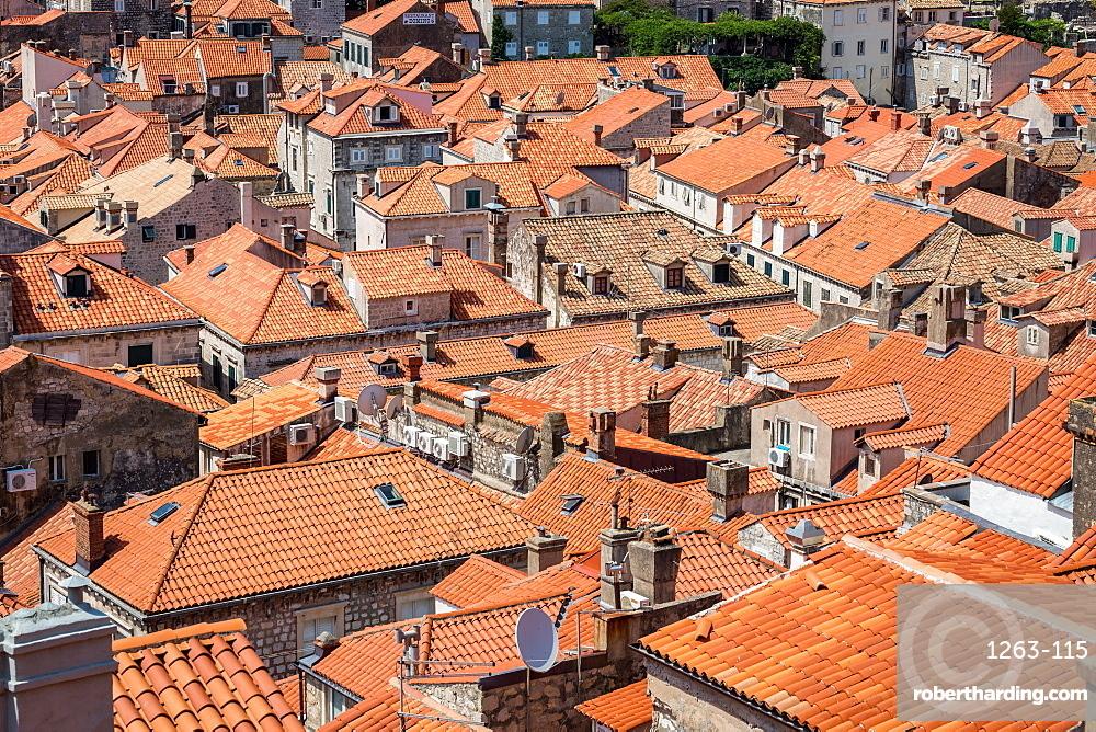 Looking across Dubrovnik's terracotta tiled rooftops, Dubrovnik, Croata, Europe