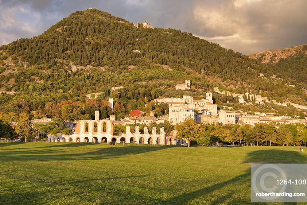 Italy, Umbria, Gubbio, Sunset in Autumn