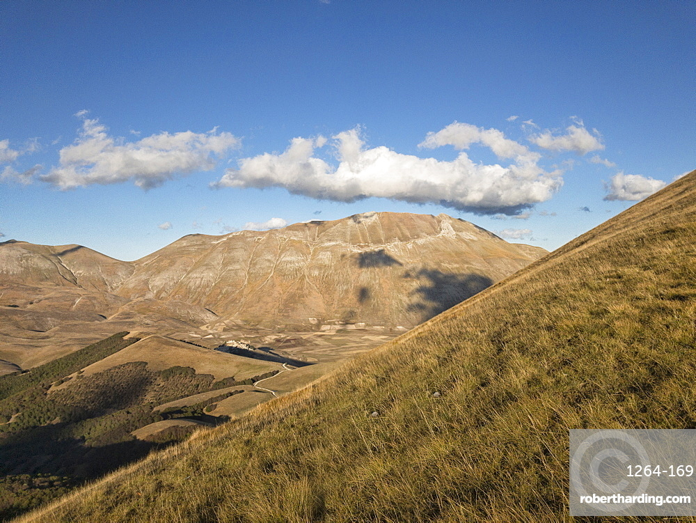 Monte Vettore at sunset in autumn, Apennines, Umbria, Italy, Europe