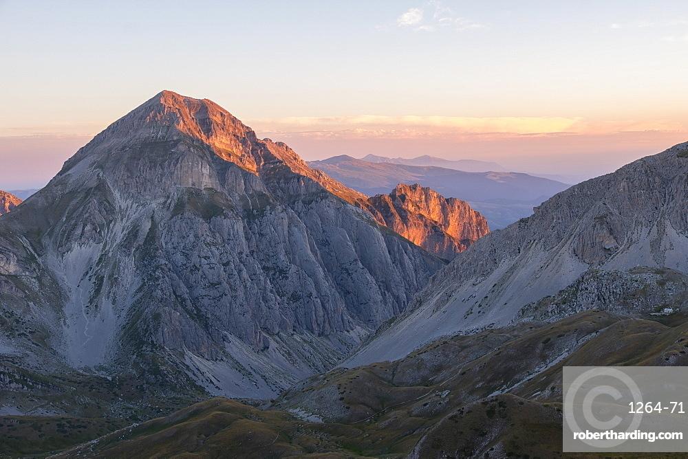 Sunrise on the mountains, Gran Sasso e Monti della Laga National Park, Abruzzo, Italy, Europe