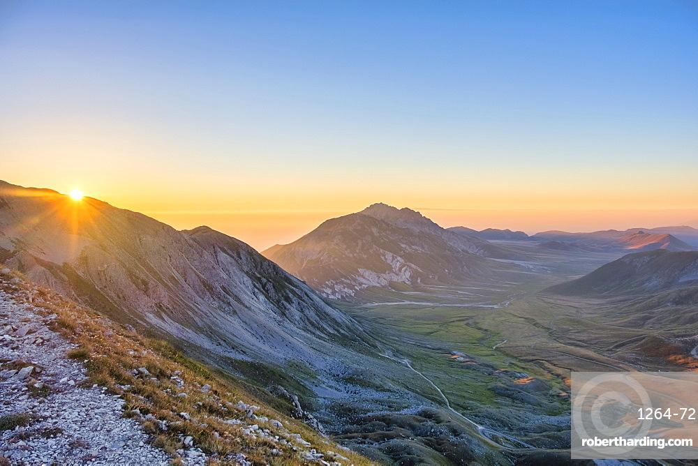 Plateau Campo Imperatore at sunrise, Gran Sasso e Monti della Laga National Park, Abruzzo, Italy, Europe