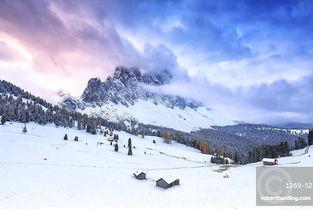 Odle group from Malga Caseril during sunrise, Funes Valley, Sudtirol (South Tyrol), Dolomites, Italy, Europe